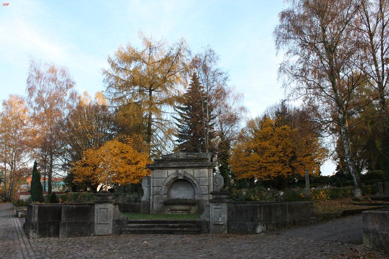 so sonnig ist es heute auf unserem Friedhof
