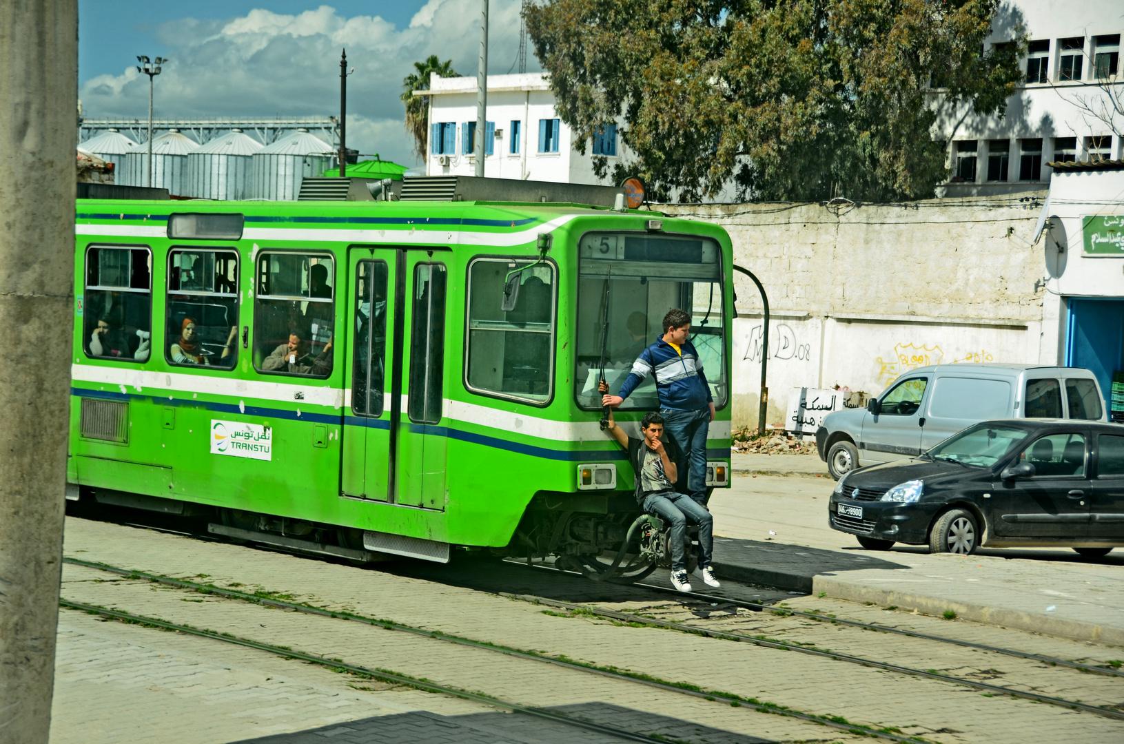 So spart man das Ticket in Tunis