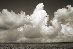 ... so weit die Wolken tragen ...