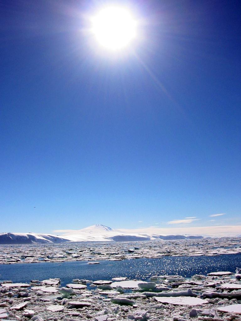 Sole sui ghiacci