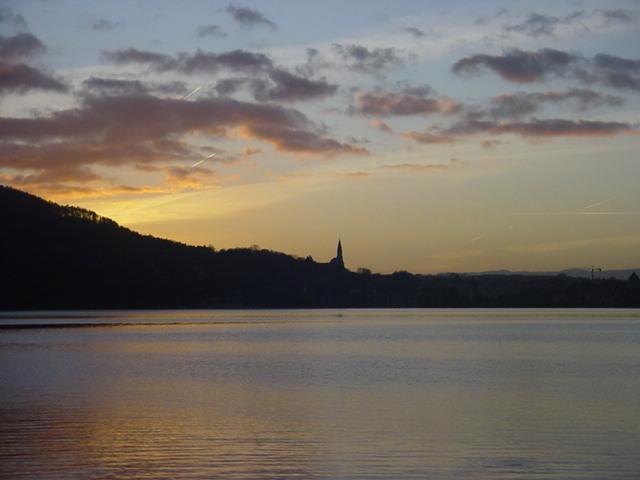 Soleil couchant sur le Lac d'Annecy