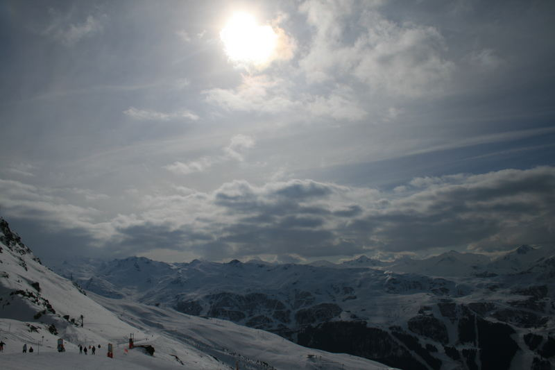 soleil montagneux
