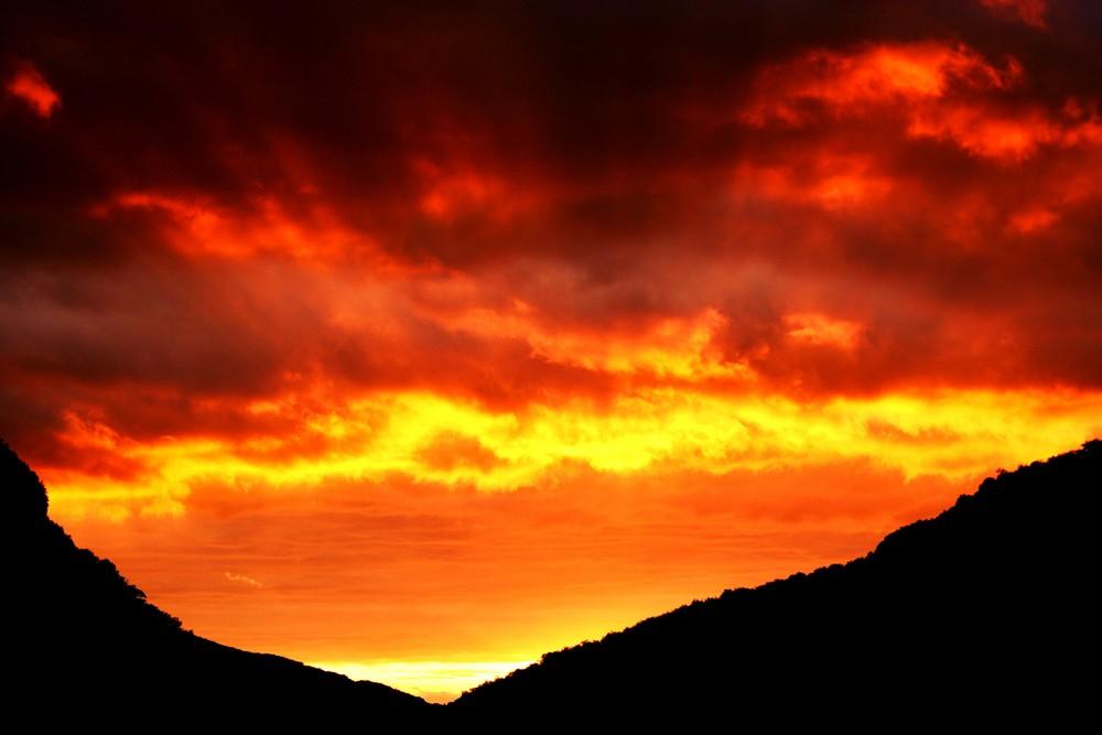 Soleil rasant un soir d'orage