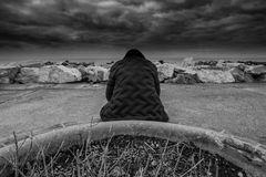 SOLITUDINE, avvolto da pensieri tempestosi