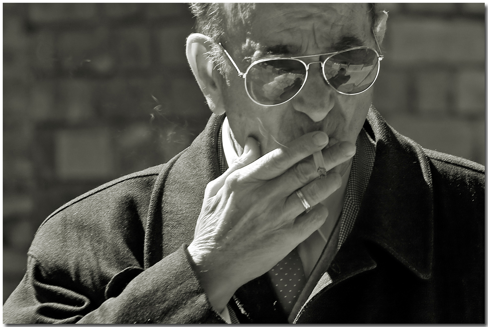 Sólo el humo del tabaco...