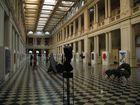 Solos en el Museo