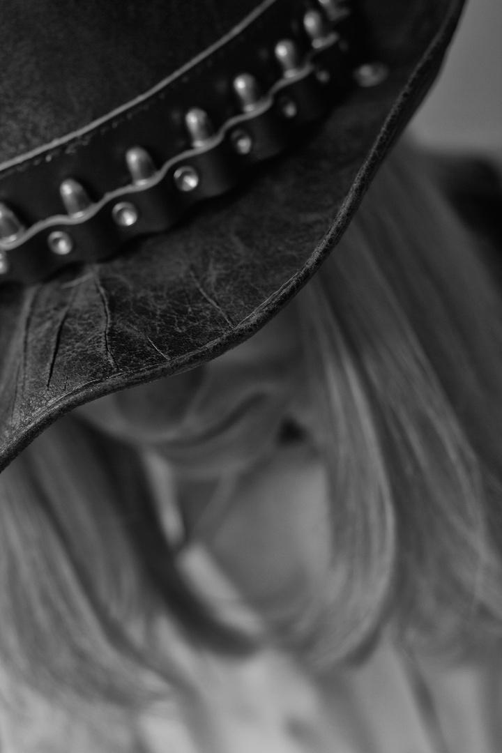 Sombrero B/W