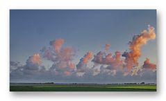 Sommer und der Himmel ist voller Wolken 03