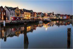 Sommerabend am Hafen