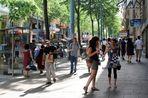 Sommerlicher Freitagnachmittag in der Mariahilfer Straße