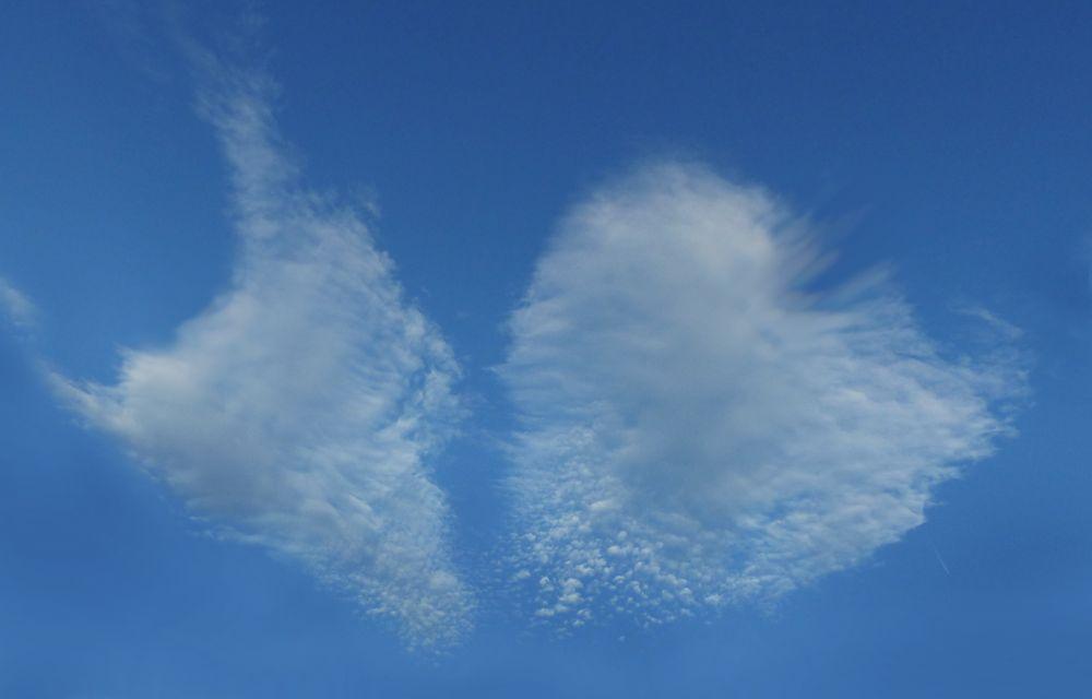 Sommerliches Wolkenpaar