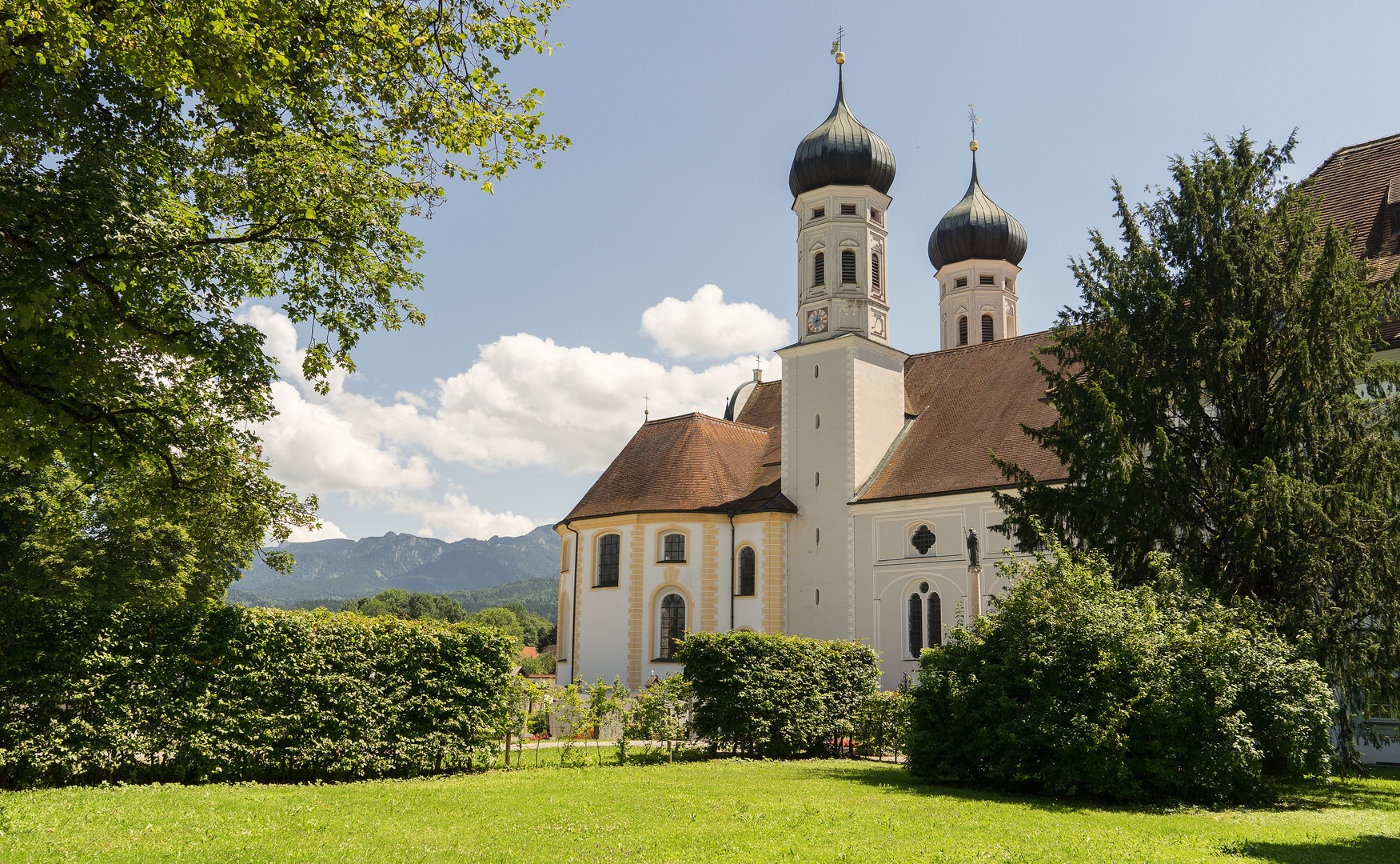 Sommertag beim Kloster Benediktbeuren