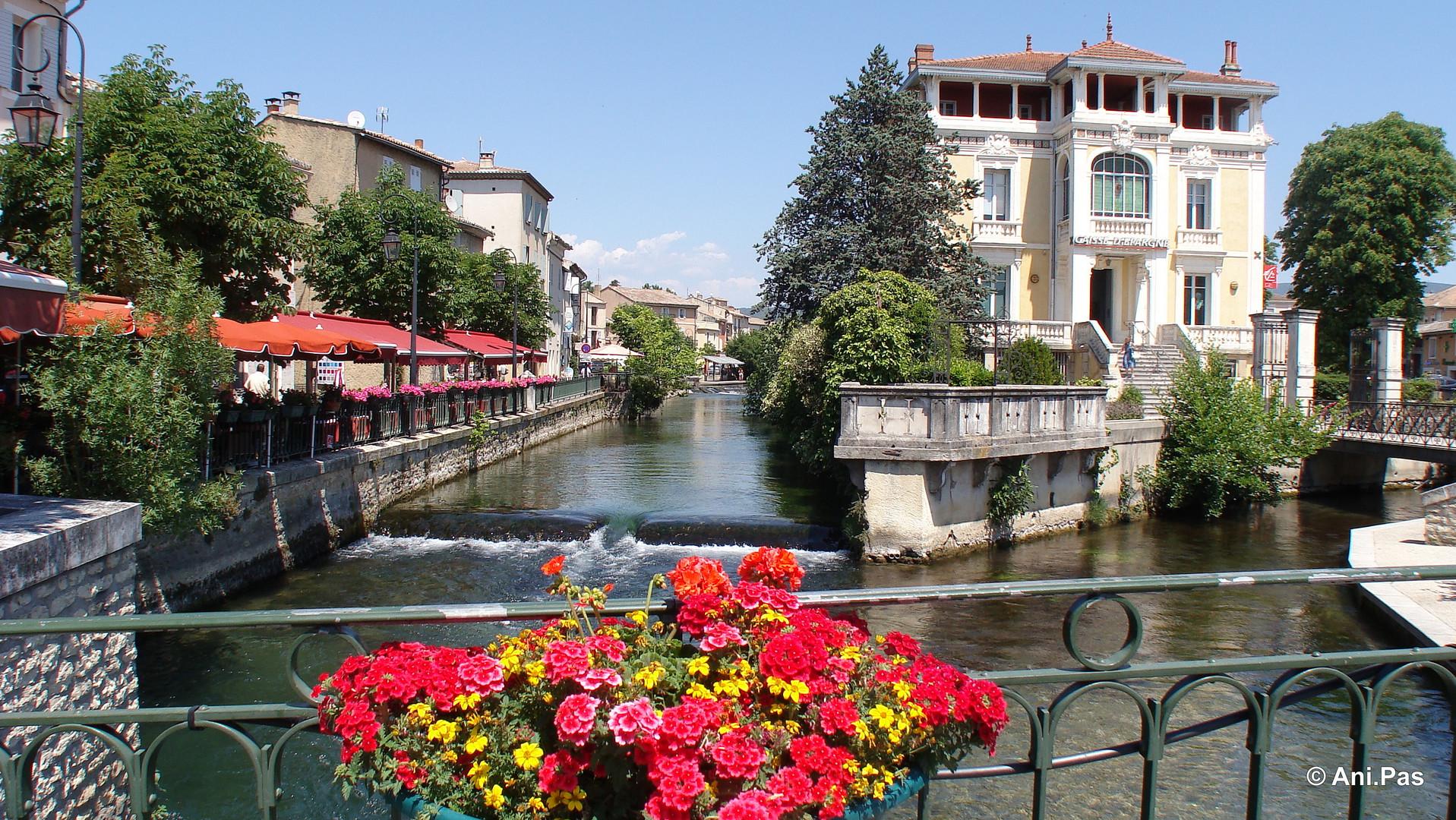Sommertag L'Isle-sur-la-Sorgue Provence