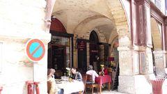 Sommieres Markt-Restaurant unter den Arkaden