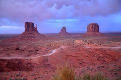Somnnenuntergang im Monument Valley