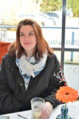Sonja im Café