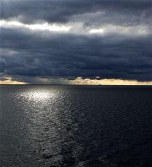 Sonne gegen Wolken - Seewetter