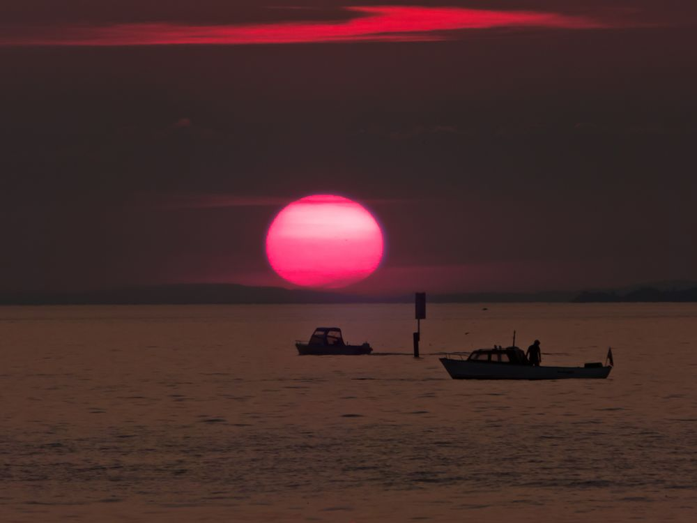 Sonne geht unter am Bodensee