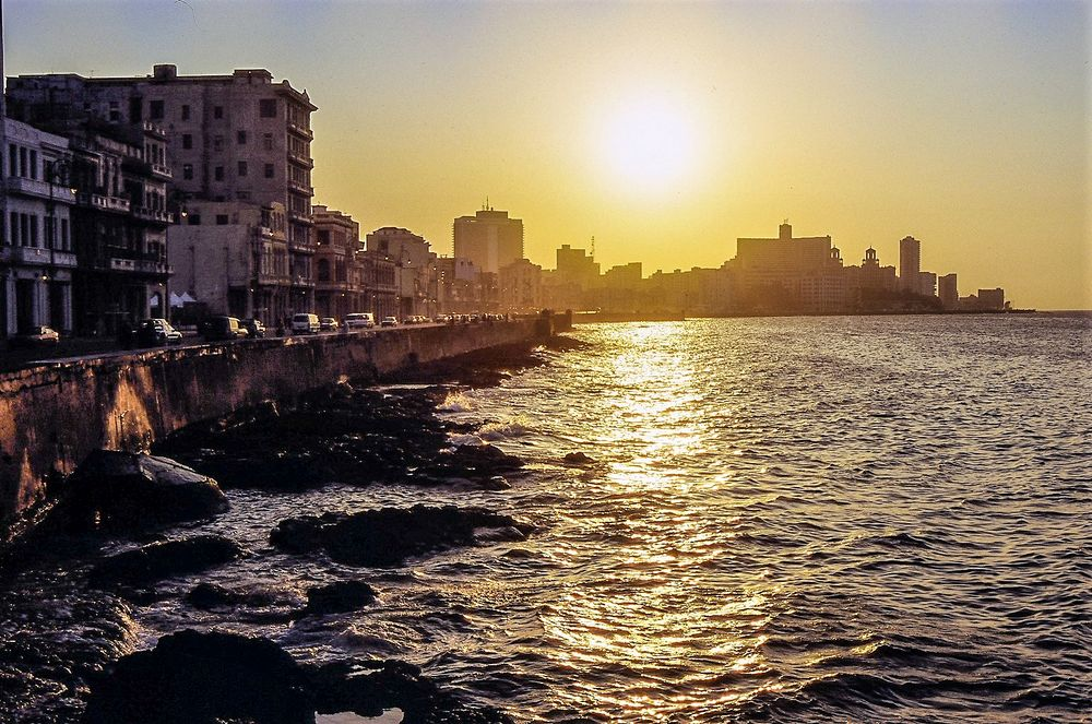 Sonne Malecon Cuba Dia-21-37-col +9Fotos