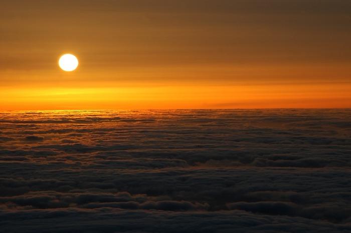 Sonne über Passatwolken