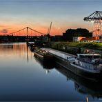 Sonne und Rheinhafenromantik ....