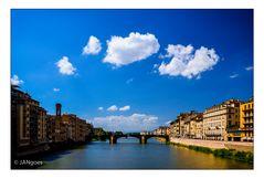 Sonne und Wolken über Arno