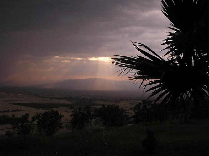 Sonne vor einem Gewitter