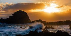 Sonnenaufgang am Atlantik in Porto Moniz
