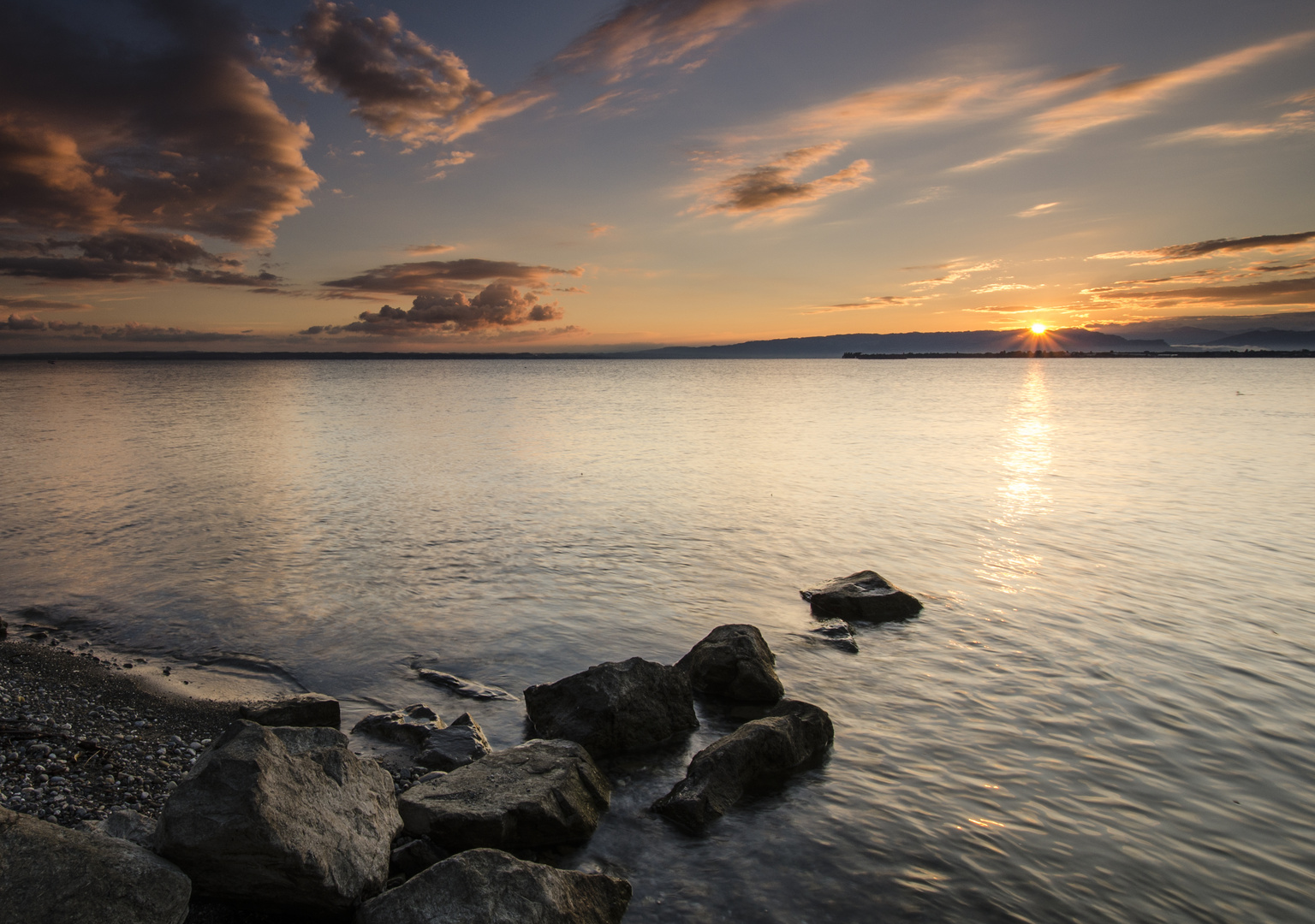 Sonnenaufgang am Bodensee