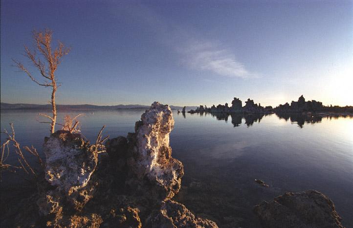 Sonnenaufgang am Mono Lake, CA