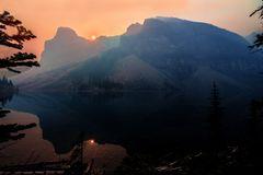 Sonnenaufgang am Moraine Lake