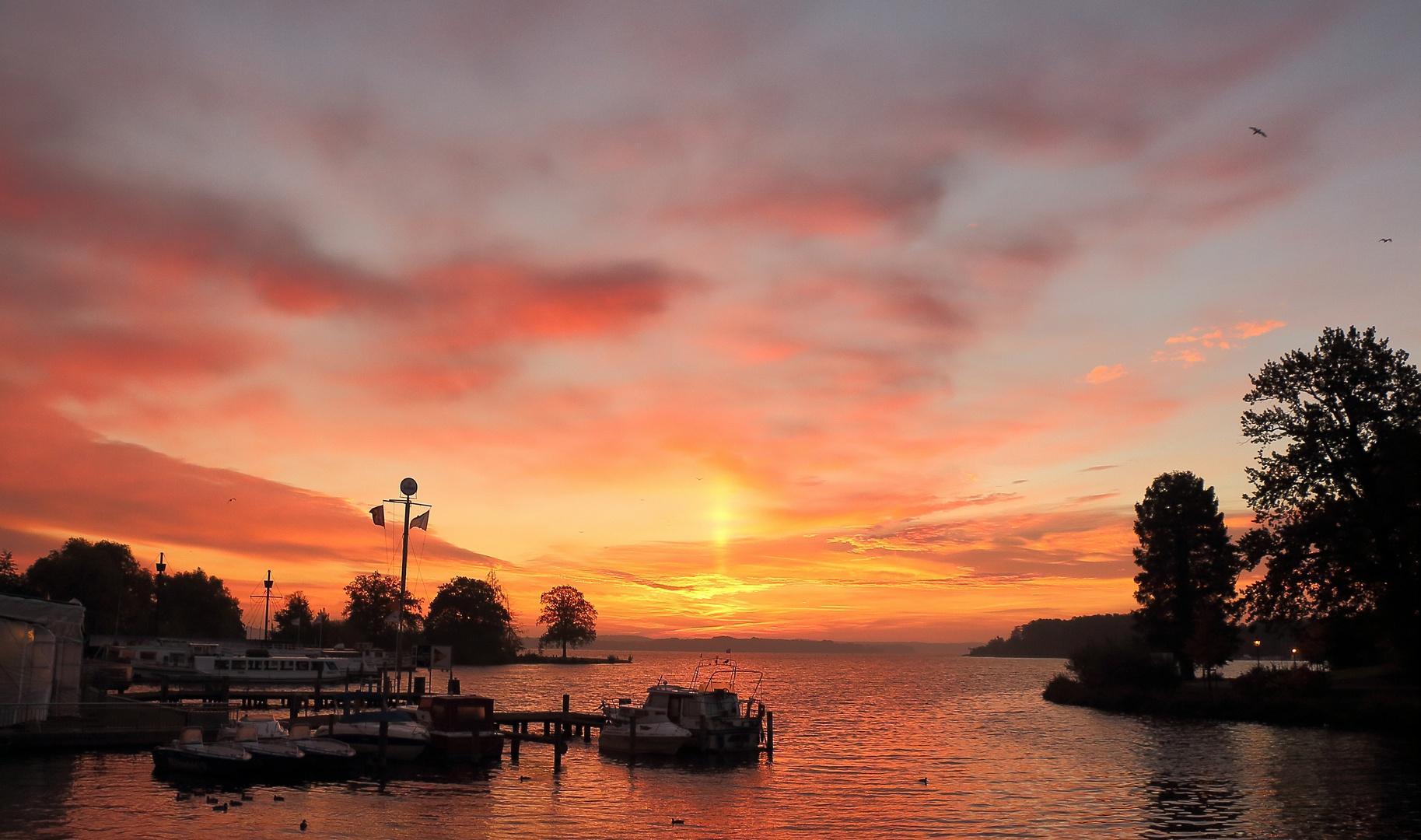 Sonnenaufgang am Schweriner See..