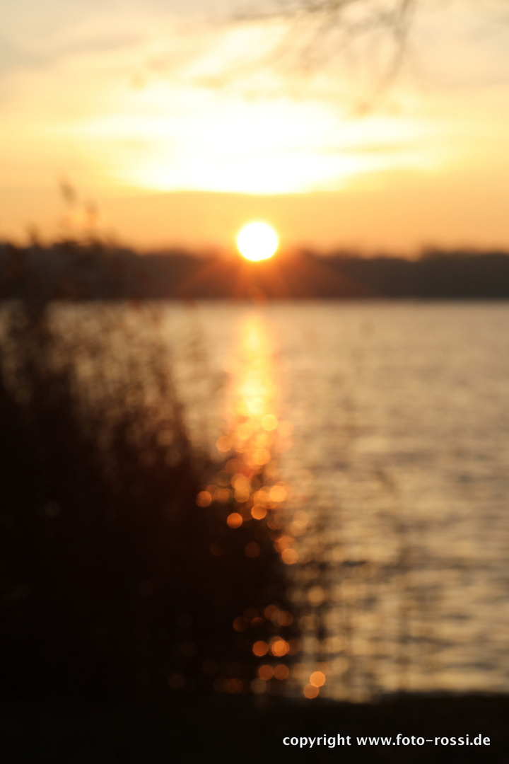 Sonnenaufgang am See 2