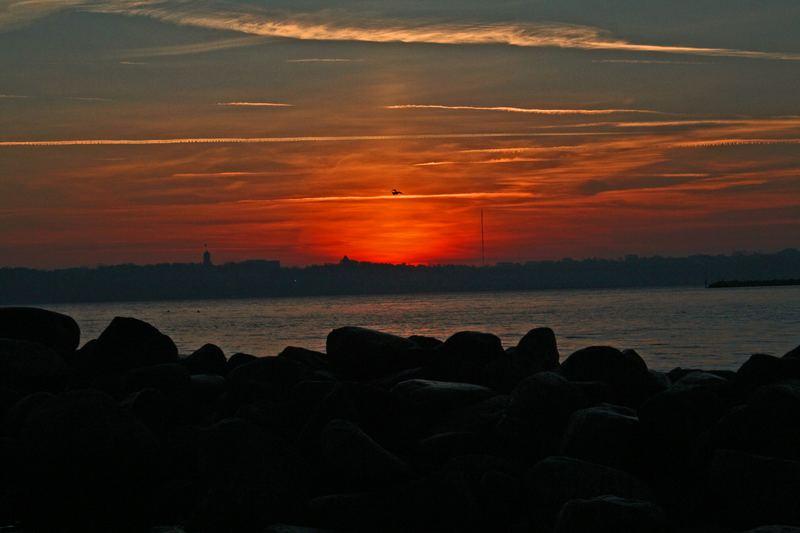 Sonnenaufgang am Strand von Wasserleben