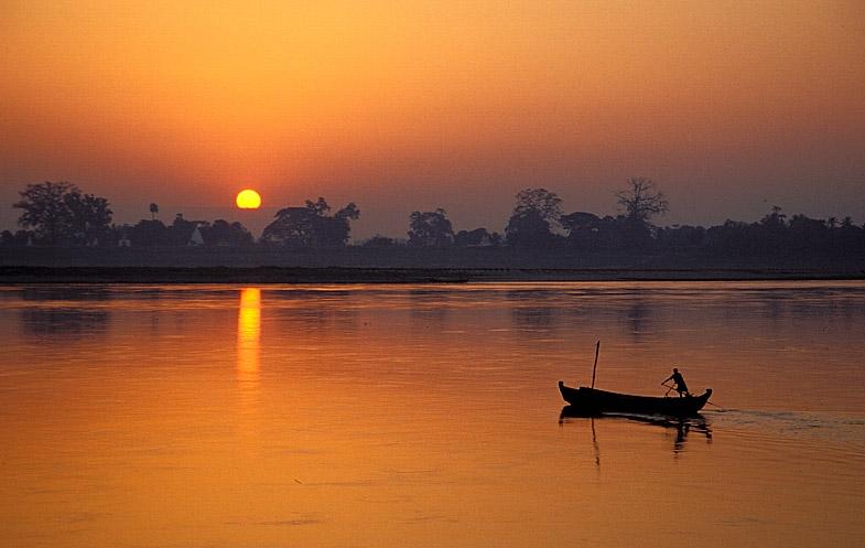 Sonnenaufgang auf dem Ayeyarwady