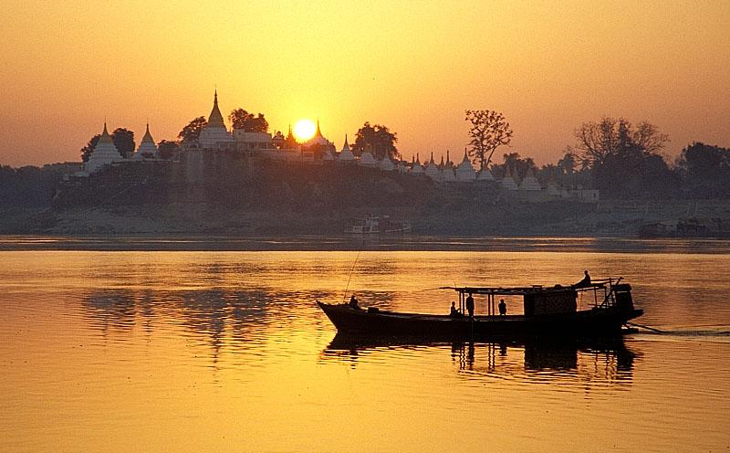 Sonnenaufgang auf dem Ayeyarwady - Teil 2