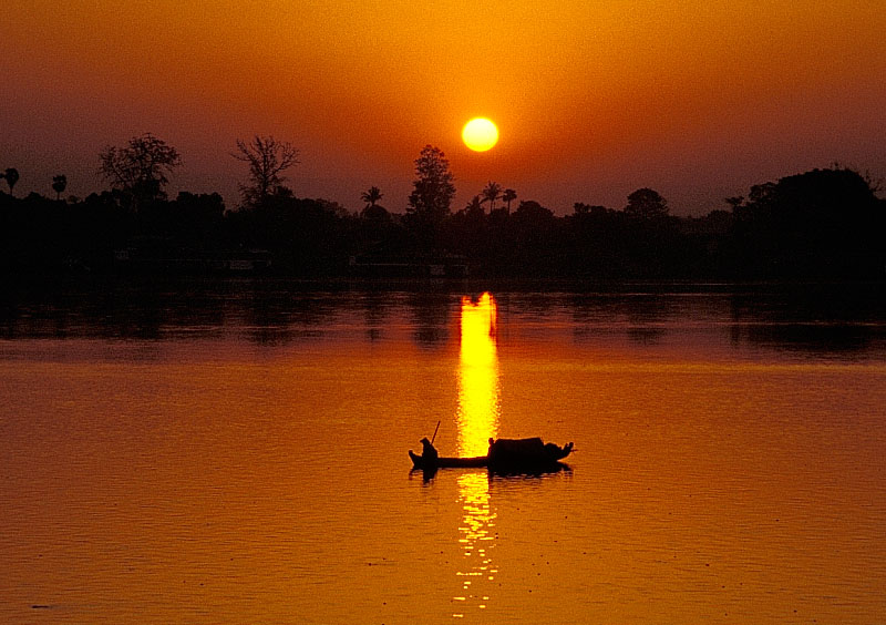 Sonnenaufgang auf dem Ayeyarwady - Teil 3