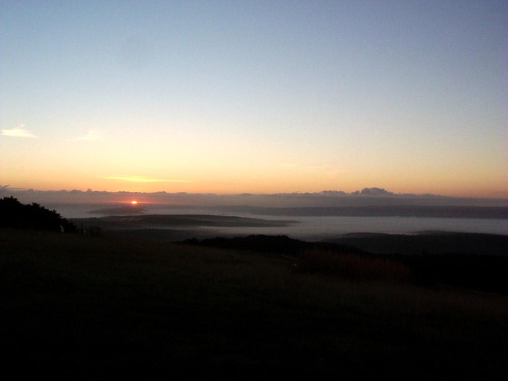 Sonnenaufgang auf dem Götterberg beim Ananda open air