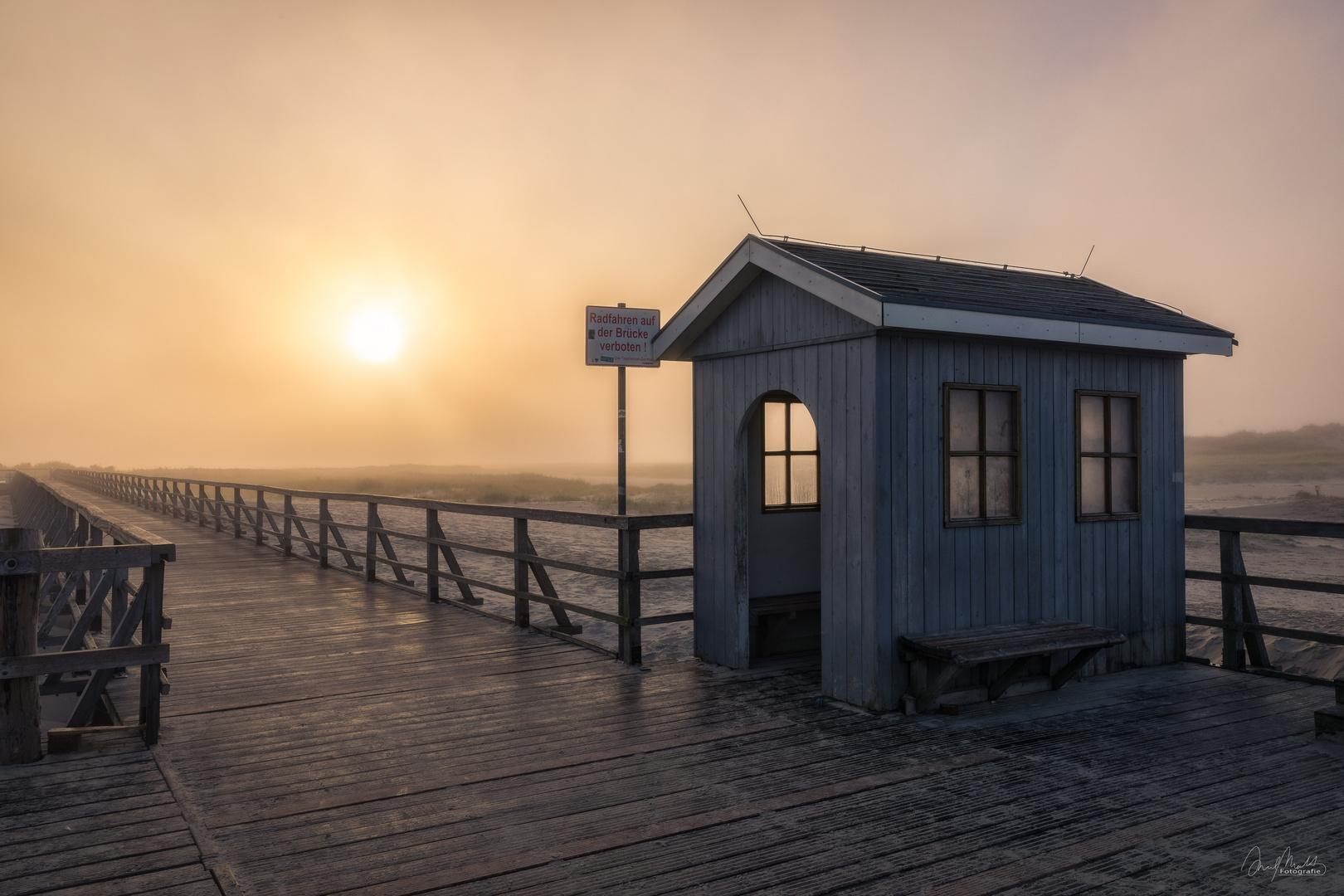 Sonnenaufgang auf der Seebrücke