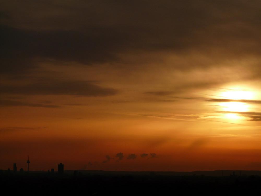 Sonnenaufgang bei Köln