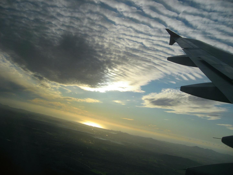 Sonnenaufgang beim Anflug auf Palma de Mallorca