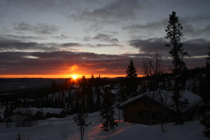Sonnenaufgang hoch im Norden
