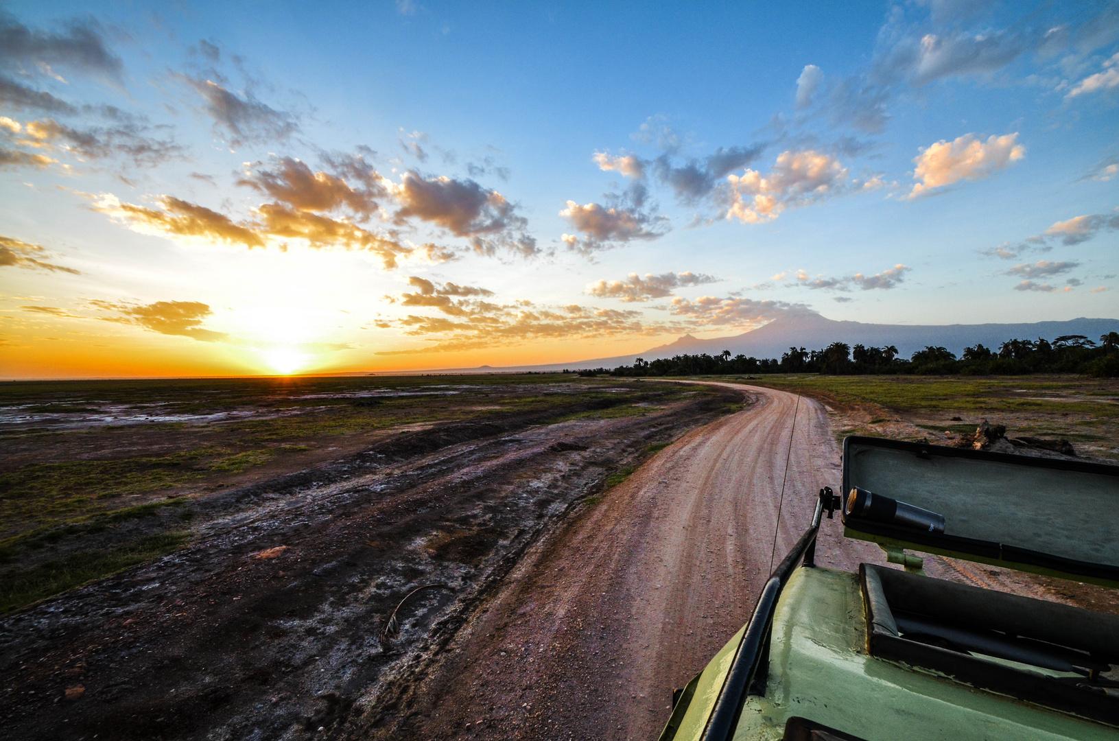 Sonnenaufgang im Amboseli Nationalpark, Kenia