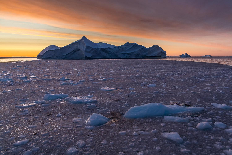 Sonnenaufgang im Eis