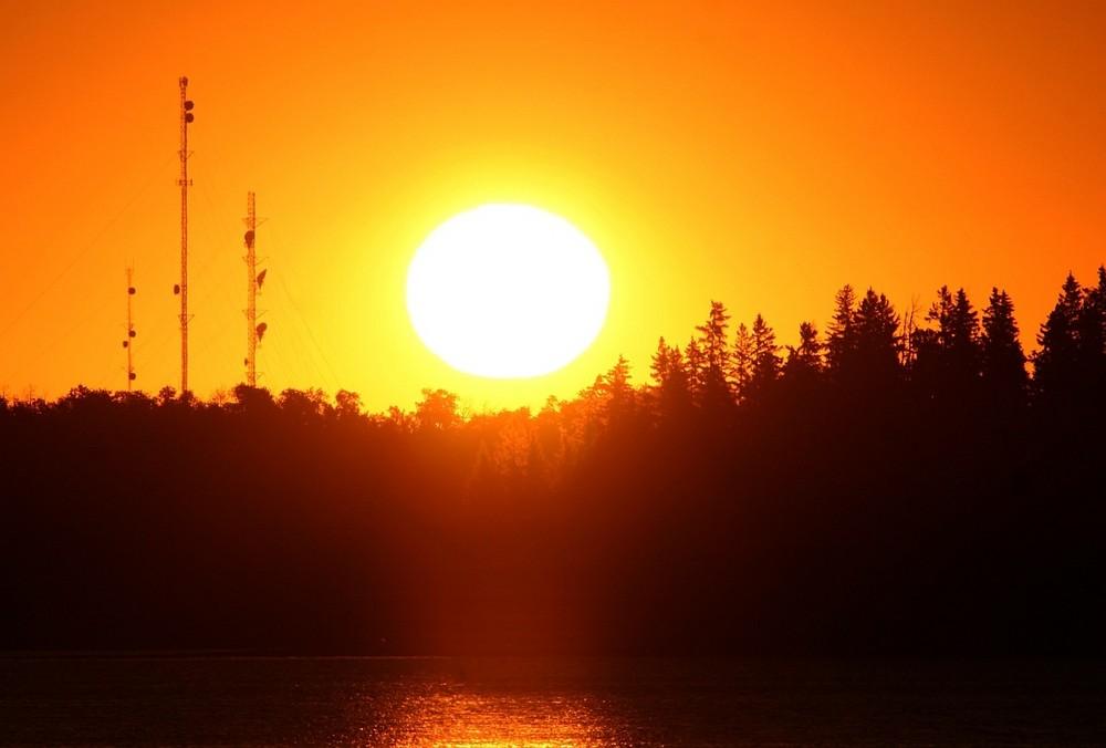 Sonnenaufgang im Elk Island Park