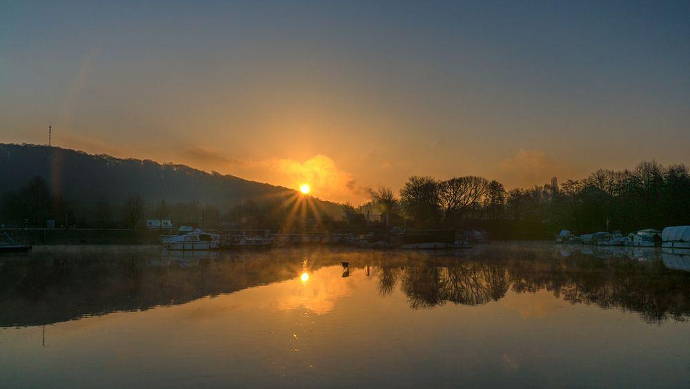 Sonnenaufgang im Osthafen