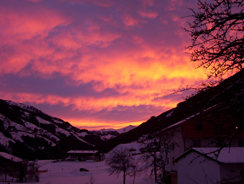 Sonnenaufgang im Zillertal