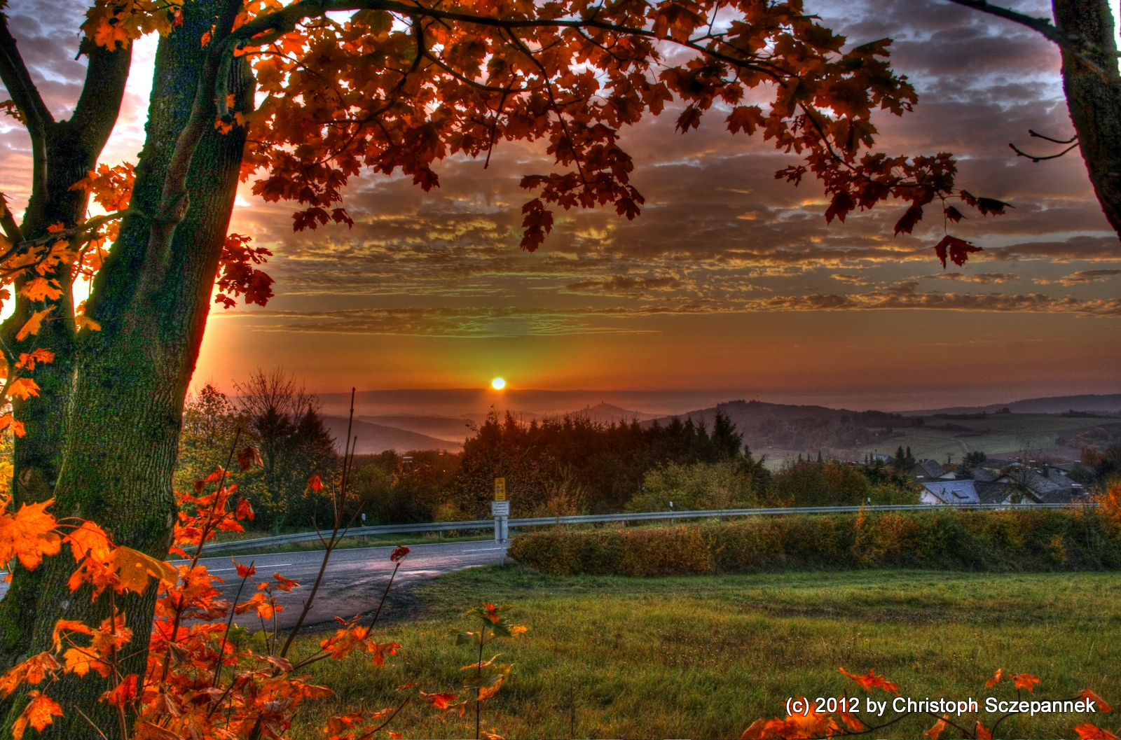 Sonnenaufgang im Zweiburgenland...