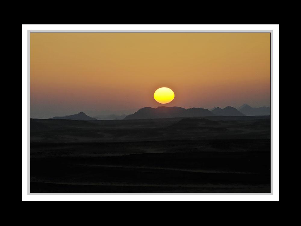 Sonnenaufgang in der Nubischen Wüste