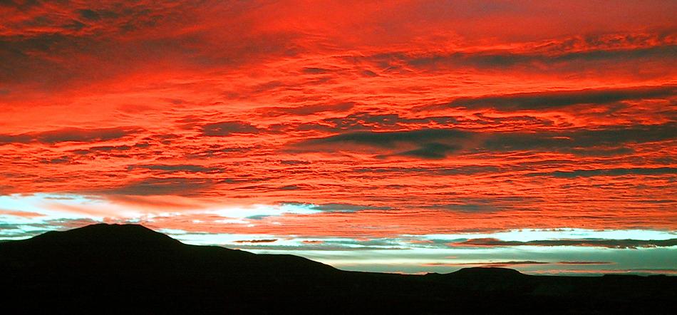 Sonnenaufgang in der Steppe von Chubut- Argentinien